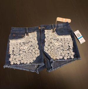 Gianni Bini jean shorts with crochet size 9